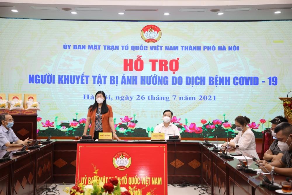 Ủy ban Mặt trận Tổ quốc Hà Nội trao hỗ trợ tới 200 người khuyết tật bị ảnh hưởng bởi Covid-19