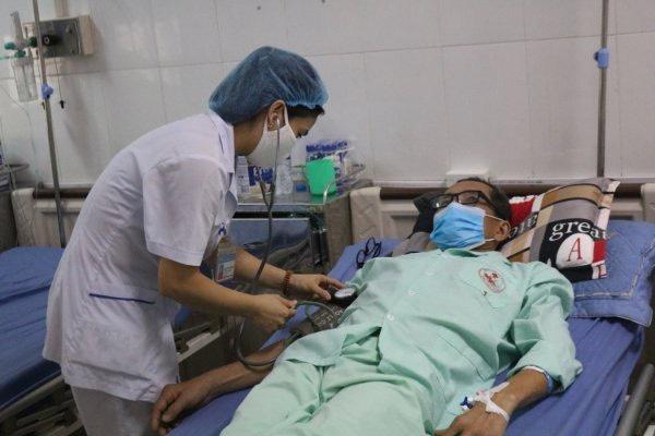 Tuyệt đối không để người bệnh phải chi trả chi phí thuộc quyền lợi và mức hưởng bảo hiểm y tế