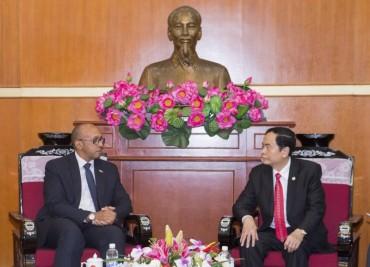 Tiếp tục vun đắp, tăng cường mối quan hệ anh em Việt Nam-Cuba