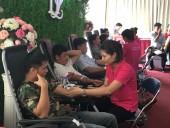 Cán bộ, đoàn viên Tổng LĐLĐ Việt Nam tham gia hiến máu cứu người