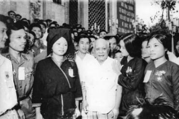 Tự hào về lãnh tụ tiên phong của công nhân và Công đoàn Việt Nam