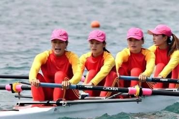 Công đoàn BIDV tặng 100 triệu đồng tới đội tuyển Rowing nữ Việt Nam