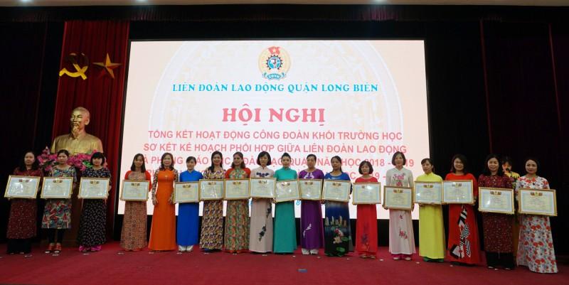 khen thuong 83 tap the ca nhan xuat sac trong hoat dong cong doan khoi truong hoc