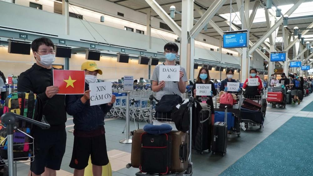 Đón gần 30.000 công dân Việt Nam ở nước ngoài về nước: Mệnh lệnh đến từ trái tim