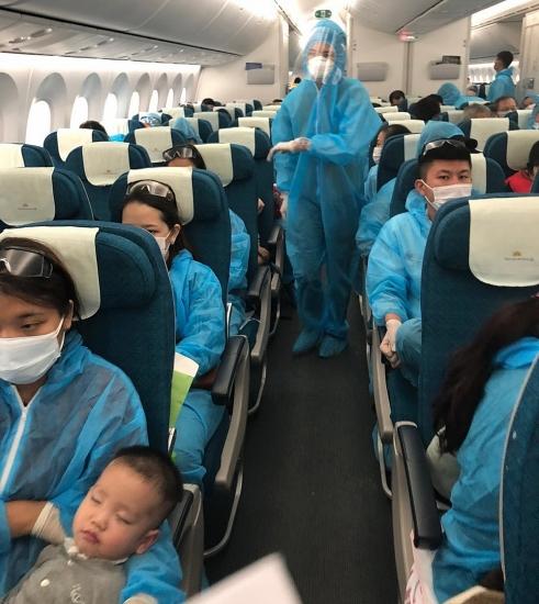 Công dân Việt Nam tại Nhật Bản tiếp tục được hỗ trợ về nước an toàn