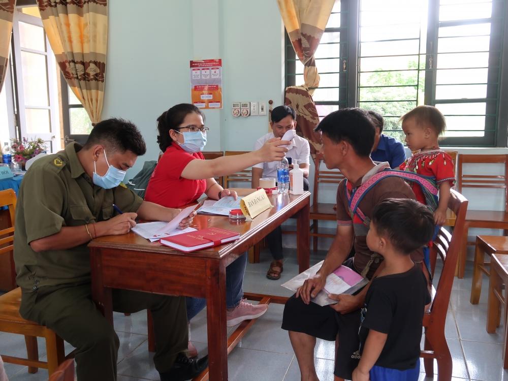 Prudential tài trợ hơn 3 tỷ đồng, chung sức cùng Việt Nam vượt qua đại dịch Covid-19