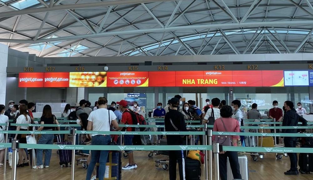 Việt Nam tiếp tục thực hiện các chuyến bay đưa công dân về nước