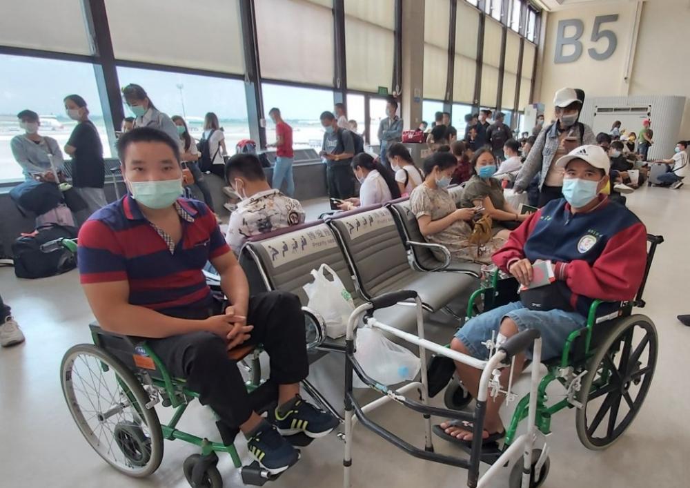 Thêm 2 chuyến bay, đưa hơn 570 công dân Việt Nam về nước