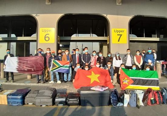Gần 500 công dân Việt Nam từ 6 quốc gia được đón về nước an toàn