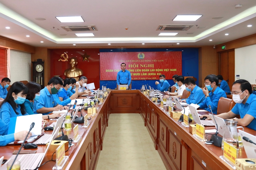 Hội nghị lần thứ 15 Đoàn Chủ tịch Tổng Liên đoàn: Thảo luận, cho ý kiến vào 8 nội dung