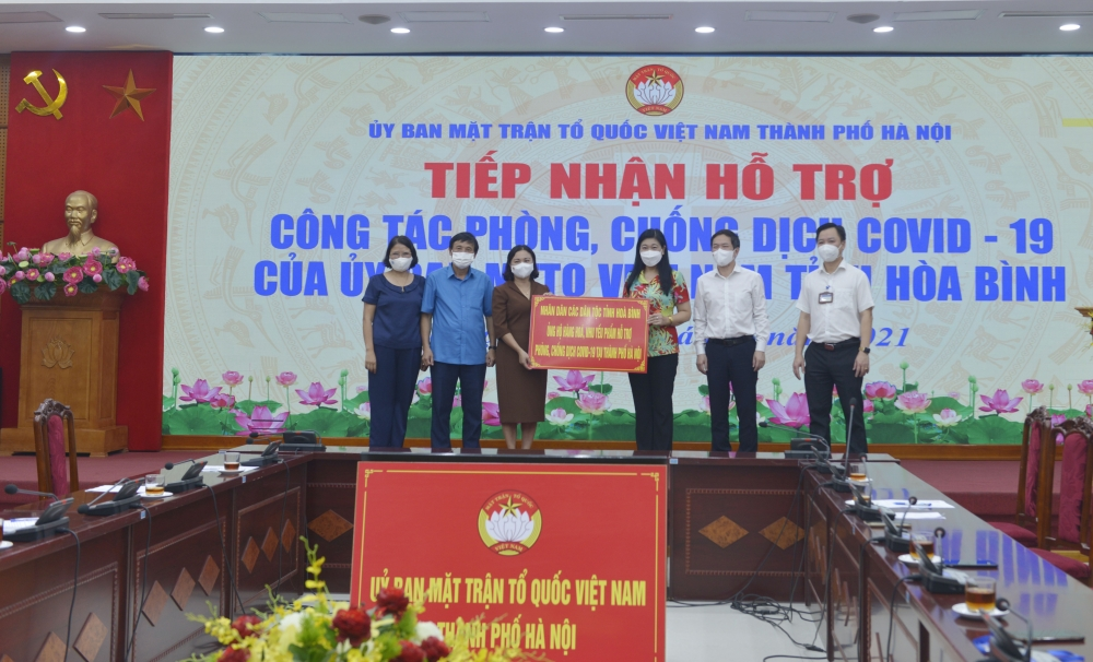Tỉnh Hòa Bình ủng hộ trên 70 tấn hàng hóa chung sức cùng nhân dân Thủ đô phòng, chống dịch