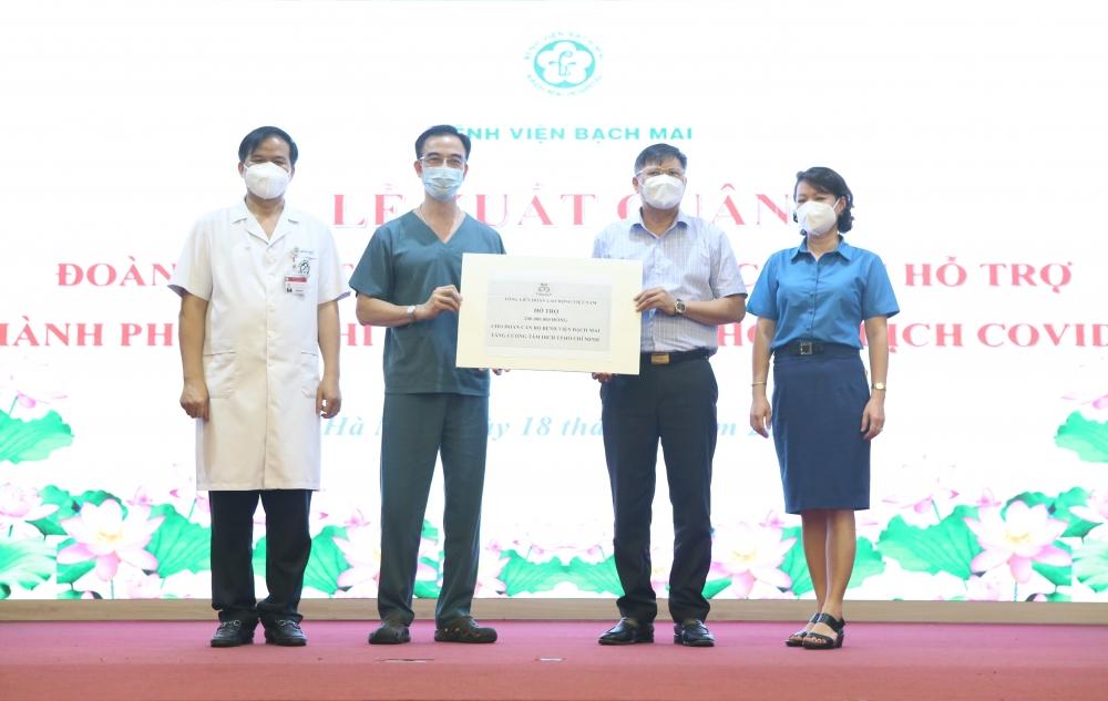 Thêm 170 y, bác sĩ Bệnh viện Bạch Mai xung phong vào Nam hỗ trợ phòng, chống dịch
