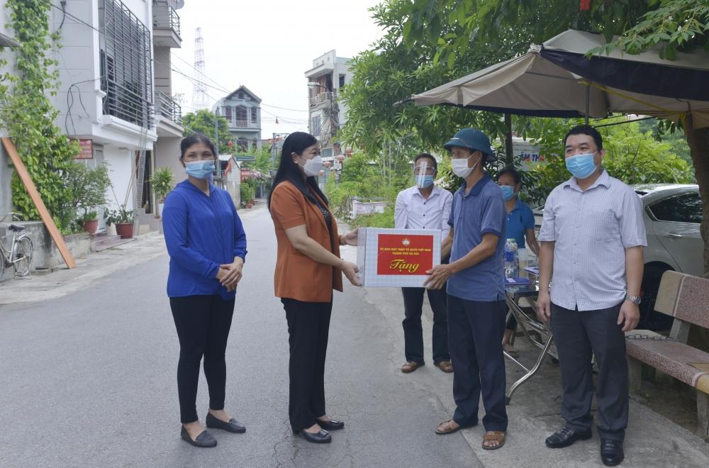 """Sơn Tây: Huy động nhân dân bảo vệ """"tư gia xanh"""", """"ngõ xóm xanh""""… tiến tới """"Thị xã xanh"""""""