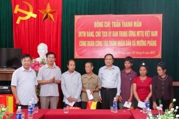 Chủ tịch Ủy ban MTTQ Việt Nam thăm đồng bào Mường Phăng, Điện Biên