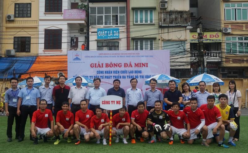 12 công đoàn cơ sở sôi nổi tranh đấu tại Giải bóng đá mini UDIC