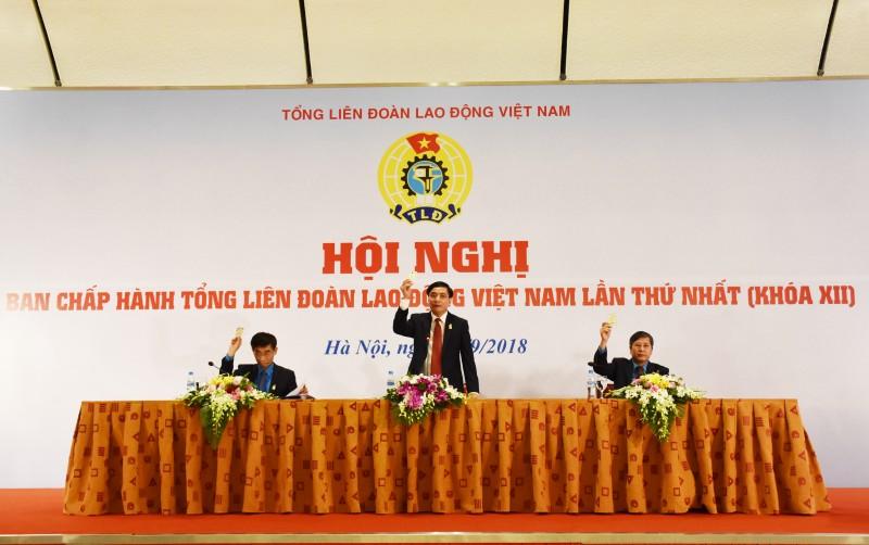 dong chi bui van cuong tai dac cu chuc chu tich tong lien doan lao dong viet nam