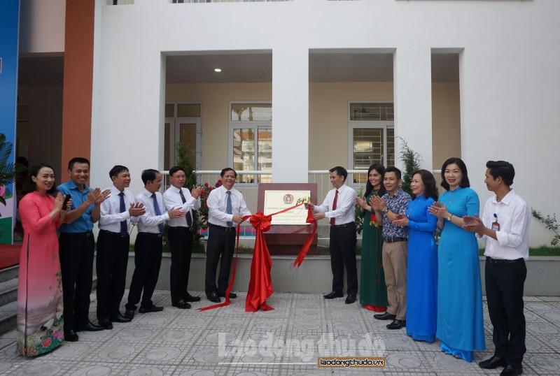 Gắn biển công trình chào mừng kỷ niệm 74 năm Quốc khánh nước Cộng hòa xã hội chủ nghĩa Việt Nam