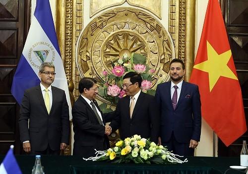 Bộ trưởng Ngoại giao Cộng hòa Nicaragua thăm chính thức Việt Nam