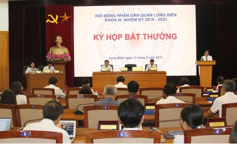 Ông Nguyễn Mạnh Hà được bầu giữ chức vụ Chủ tịch Uỷ ban nhân dân quận Long Biên