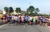 Hơn 200 vận động viên tham gia Chung kết Giải chạy báo Hànộimới vì hòa bình