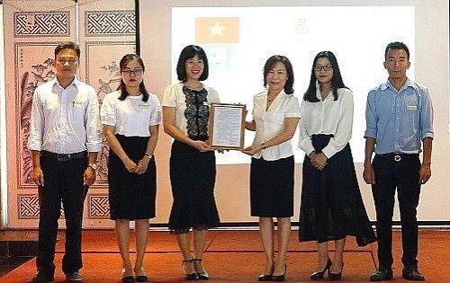 Ra mắt Công đoàn Công ty cổ phần Ánh sáng Sông Hồng