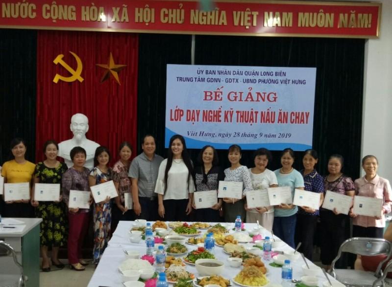 Bế giảng lớp đào tạo nghề nấu ăn cho lao động trên địa bàn phường