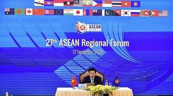 Phó Thủ tướng, Bộ trưởng Ngoại giao Phạm Bình Minh chủ trì Hội nghị Diễn đàn Khu vực ASEAN lần thứ 27