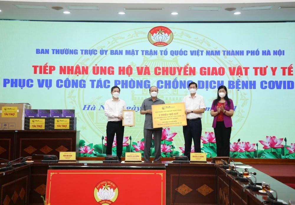 Hơn 182 tỷ đồng ủng hộ công tác phòng, chống dịch Covid-19 của thành phố Hà Nội