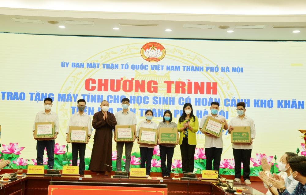 Thắp sáng niềm tin, nâng bước học trò nghèo Thủ đô