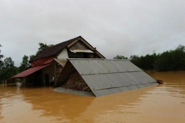 Ủy ban T.Ư MTTQ Việt Nam hỗ trợ 1 tỉ đồng tới Hà Tĩnh, Quảng Bình