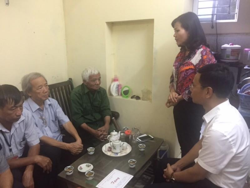Quận Long Biên: Thăm, tặng quà người cao tuổi trên địa bàn