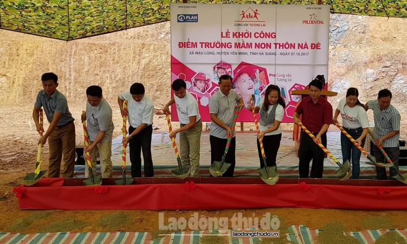 Prudential mang 'trường học an toàn' đến với học sinh Hà Giang