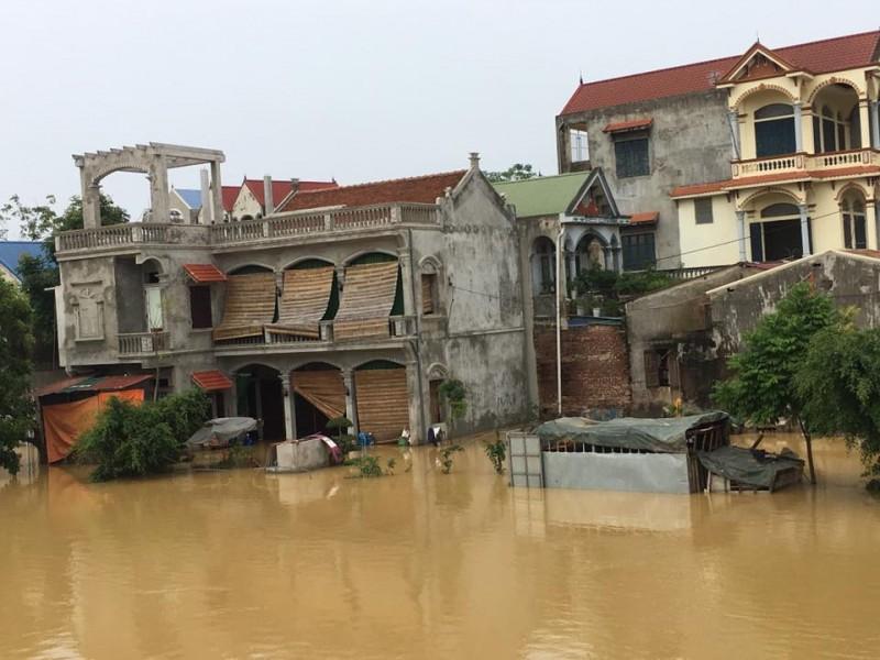 Hà Nội trích Quỹ Cứu trợ chia sẻ với người dân vùng mưa lũ