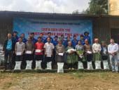 Cộng đồng tình nguyện Việt Nam chia sẻ với người dân vùng lũ Yên Bái