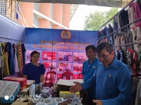 """Độc đáo 30 gian hàng trị giá """"0 đồng"""" dành cho công nhân tại Thừa Thiên - Huế"""