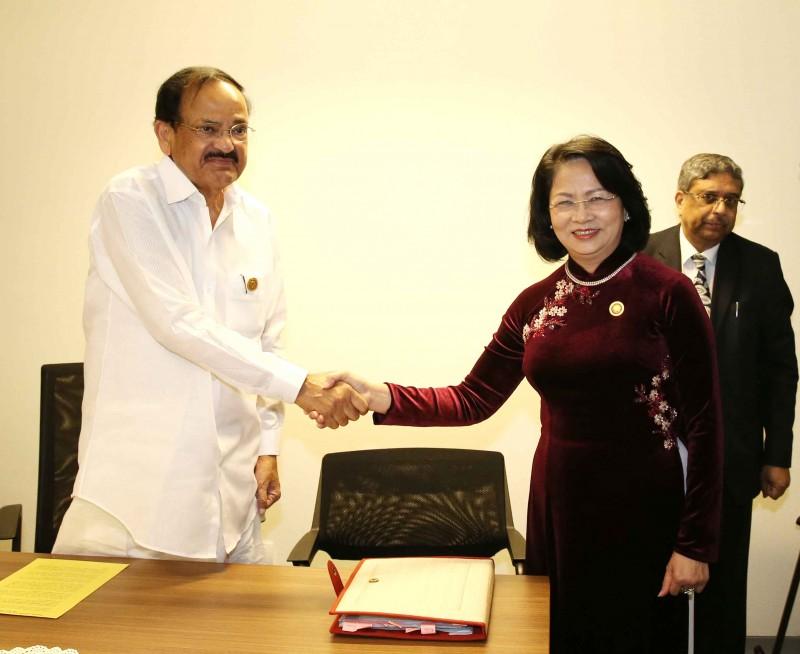 Phó Chủ tịch nước Đặng Thị Ngọc Thịnh hội kiến Phó Tổng thống Ấn Độ
