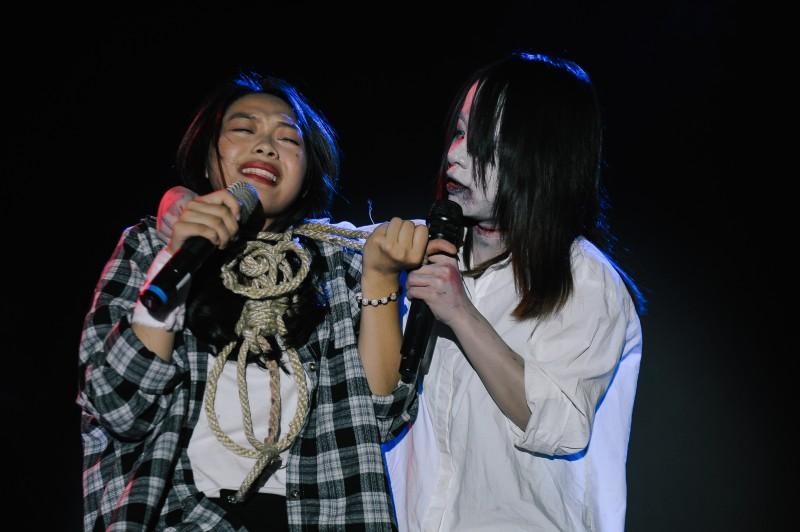 halloween truong bao san khau hoa cau chuyen bao luc mang