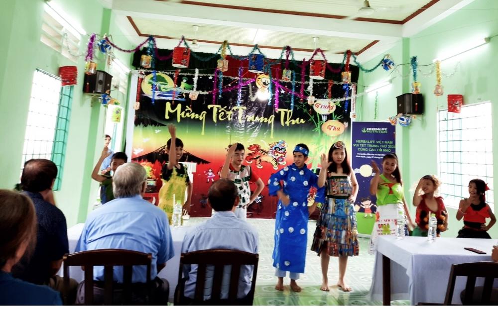 Tổ chức Ngày hội Trung thu ý nghĩa cho các em nhỏ có hoàn cảnh khó khăn