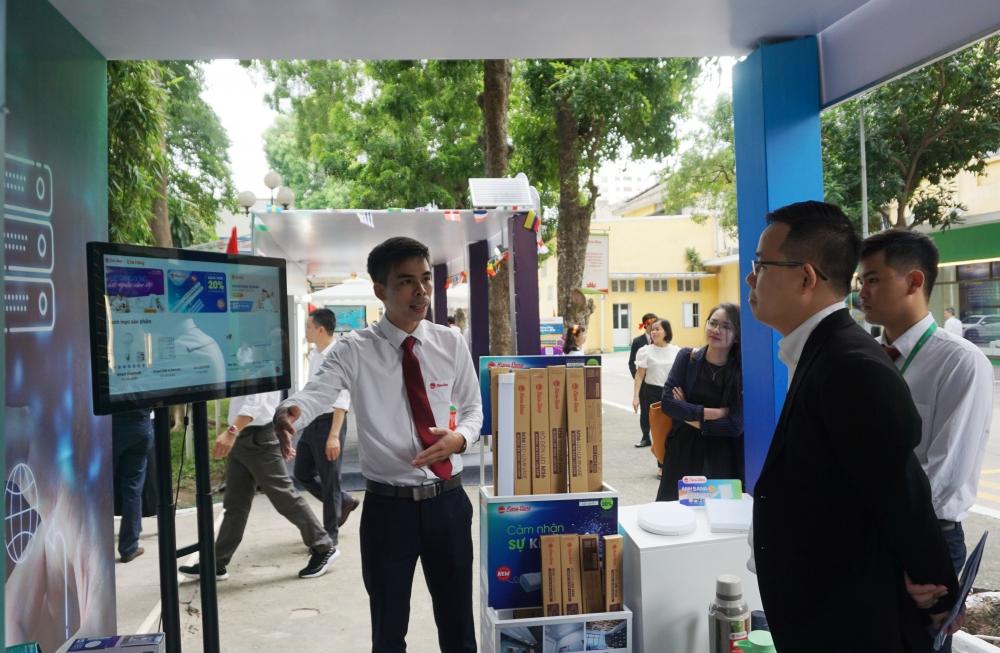 Ngày hội sáng tạo Rạng Đông: Hàng trăm sáng kiến đã được áp dụng hiệu quả trong thực tế