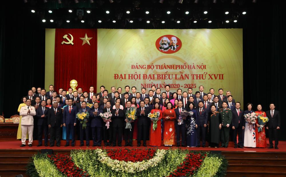 Trực tiếp phiên bế mạc Đại hội đại biểu lần thứ XVII Đảng bộ thành phố Hà Nội