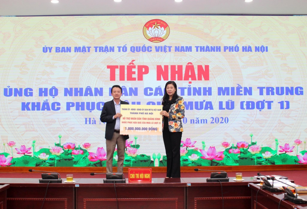 Tiếp nhận hơn 22 tỷ đồng tiền mặt và hàng hóa ủng hộ nhân dân các tỉnh miền Trung