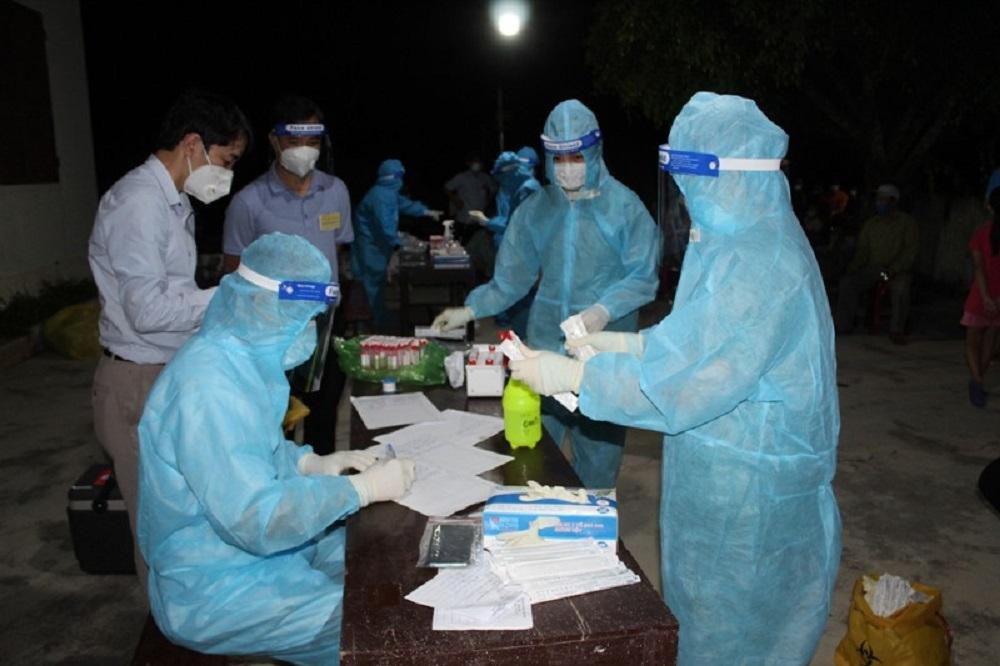 Nghệ An: Cách ly cả xã vì lái xe đường dài ở tâm dịch về thăm nhà trốn khai báo y tế