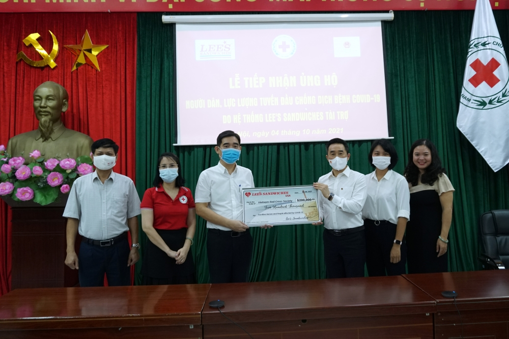 Tiếp nhận 200.000 USD hỗ trợ người dân thành phố Hồ Chí Minh vượt qua đại dịch