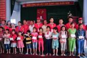Prudential hỗ trợ người dân Khánh Hòa khắc phục hậu quả thiên tai