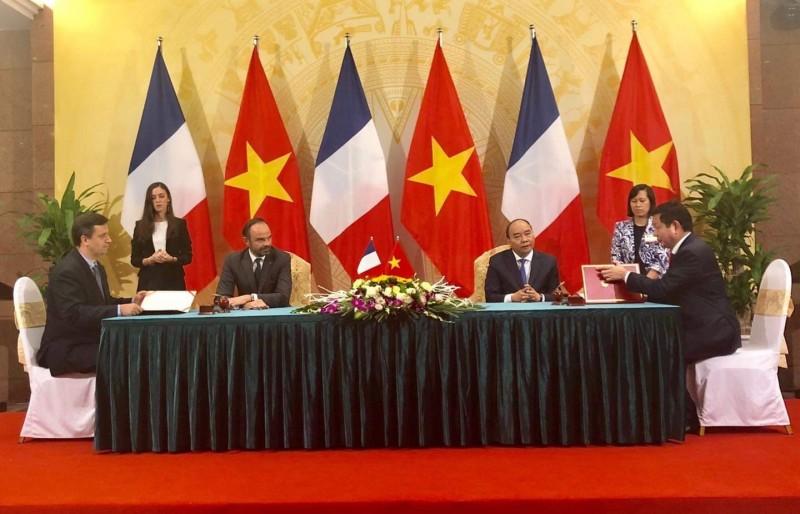 FPT hợp tác với doanh nghiệp Pháp thúc đẩy chuyển đổi số trong CMCN 4.0