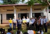 Tặng kinh phí kéo nước sinh hoạt về với thầy trò PTCS Tà Làng, Sơn La