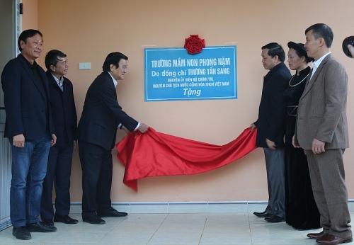Trao tặng hơn 300 suất quà đến đồng bào nghèo tỉnh Cao Bằng