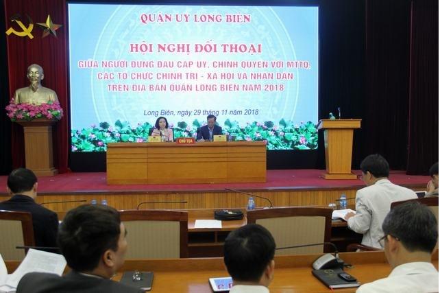 Cấp ủy, chính quyền quận Long Biên đối thoại với nhân dân trên địa bàn