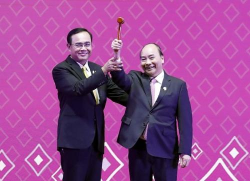 Việt Nam tiếp nhận vai trò Chủ tịch ASEAN 2020