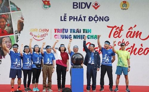 Khởi động Giải chạy Tết ấm cho người nghèo với hơn 16.000 người tham gia